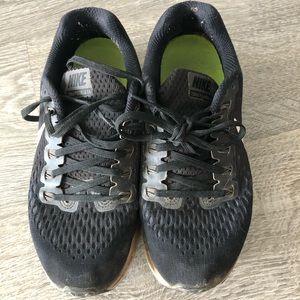 🎉3/$10 - Nike Black Running Shoes